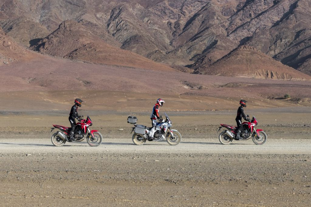 189580_20YM_Africa_Twin_and_Africa_Twin_Adventure_Sports.jpg